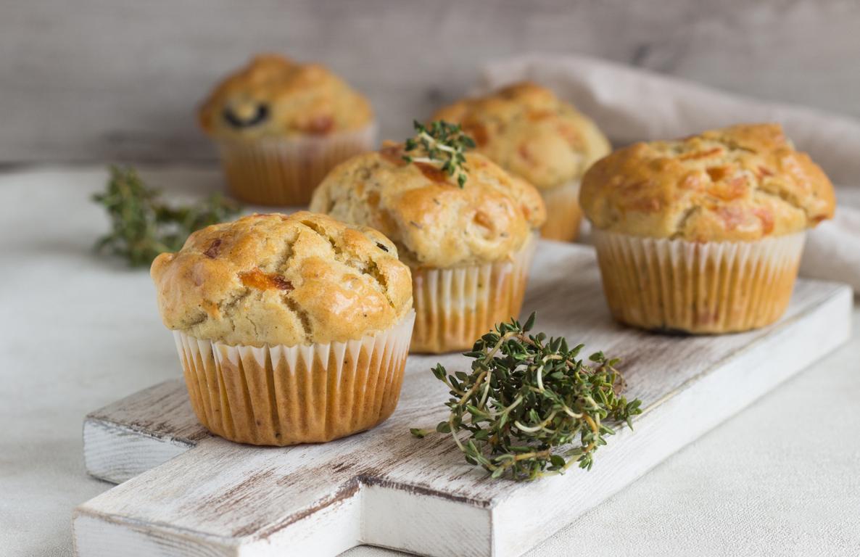 Pełnoziarniste muffiny z warzywami i wędliną - QAFP